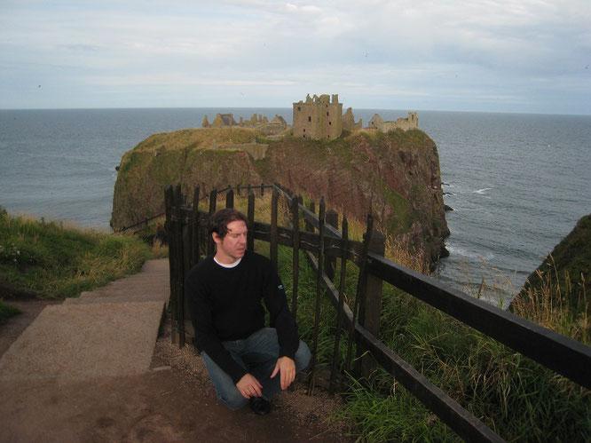 """""""Dunnottar Castle (Dùn Fhoithear), Stonehaven/Aberdeenshire, Scotland (56° 56′ 46″ N, 2° 11′ 45,5″ W)."""""""