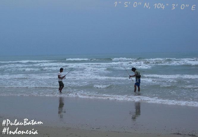 Von Singapur lediglich einen Steinwurf entfernt: Viovio Beach, Batam (1° 5′ 0″ N, 104° 3′ 0″ E)!