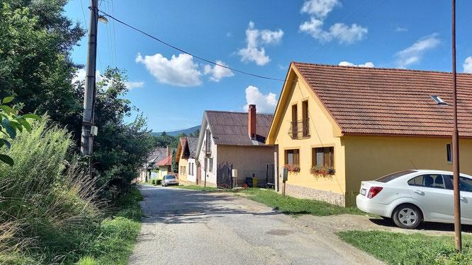 Straße in Medzev, von Vyšny Medzev kommend.