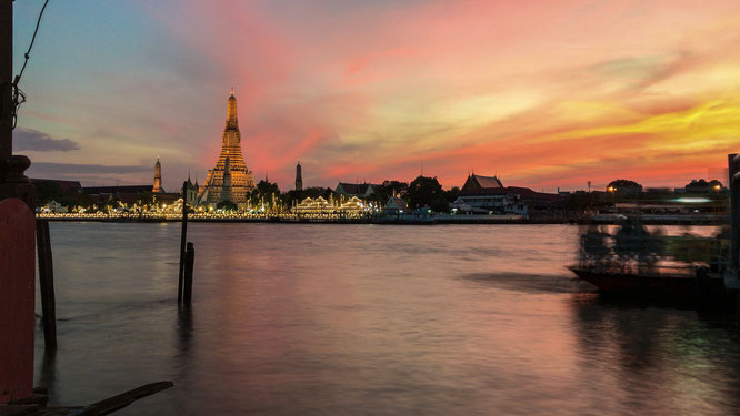 Sunset Wat Arun