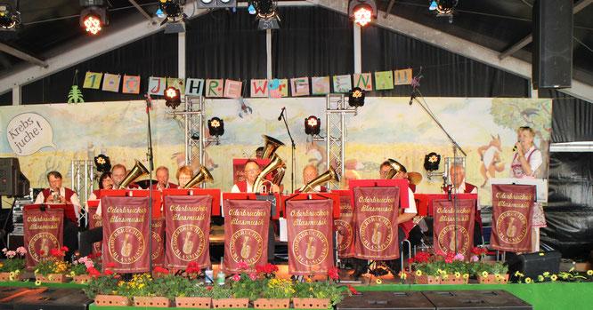 Die Oderbrucher Blasmusik gratuliert zum 100-jährigen Jubiläum zur Umbenennung in Wiesenau