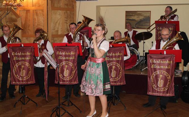 Die Oderbrucher Blasmusikanten spielten auf zum 35. und 60. Hochzeitsjubiläum