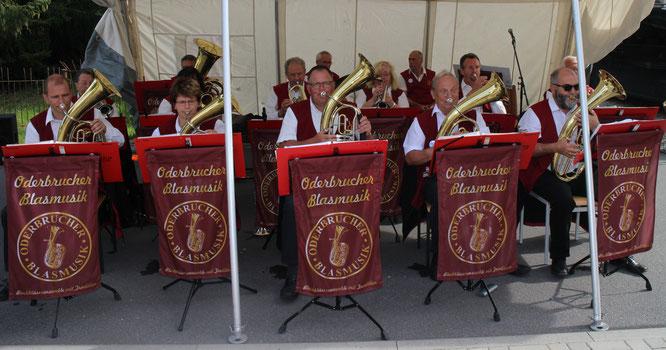 Die Oderbrucher Blasmusik gratulierte der Jagdgenossenschaft Libbenichen zum 25-jährigen Jubiläum