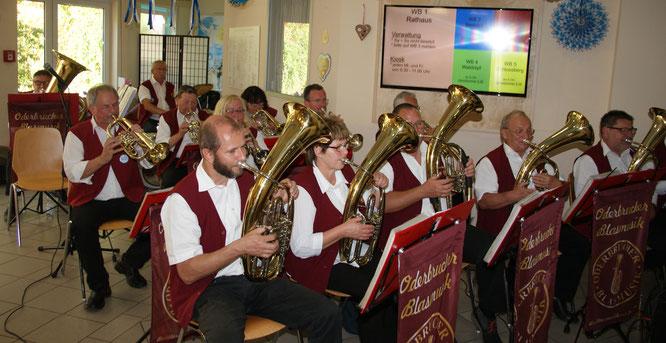 Die Oderbrucher Blasmusik zu Gast in der Seniorenresidenz am Biesenthaler Wukensee