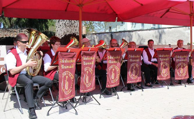 Ein Platz an der Sonne mit den Oderbrucher Blasmusikanten