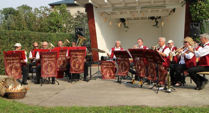 Die Oderbrucher Blasmusik zu Gast in Kliestow, dem nördlichsten Stadtteil von Frankfurt (Oder)