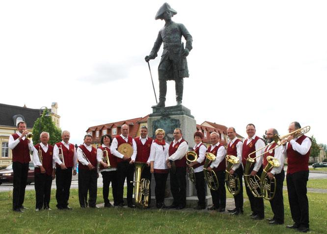 Der alte Fritz und die Musikanten der Oderbrucher Blasmusik