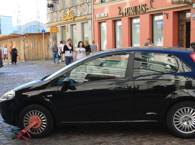 Opfer einer Parkkralle in Riga, Lettland