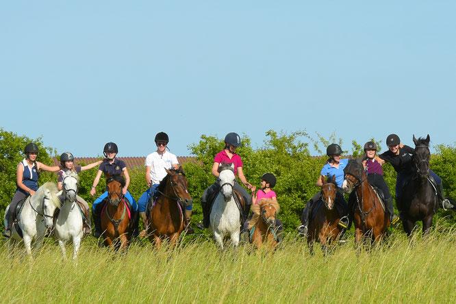 Apprendre l'équitation à la Ferme équestre du Buisson dans une ambiance géniale