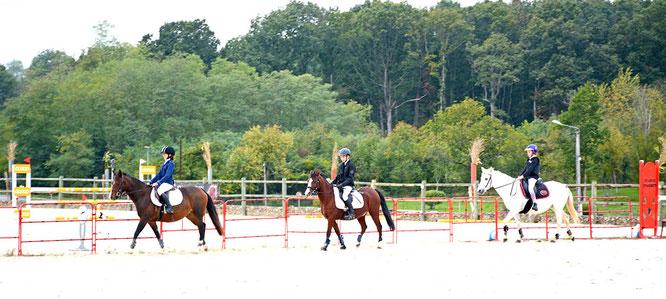 L'équipe poneys de la Ferme Equestre du Buisson en concours de CSO