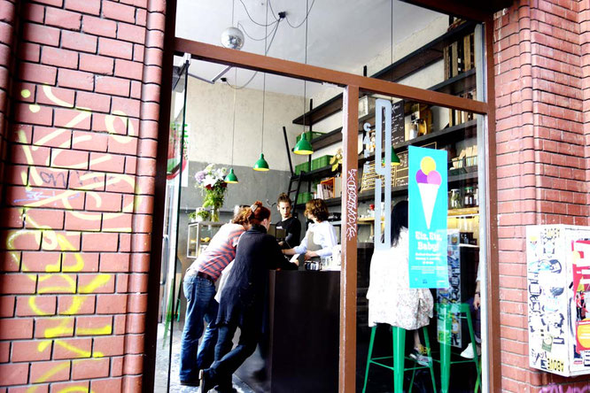Bild: Café 9, Eisenbahnstraße 42, Berlin
