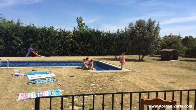 Organízate para un día de piscina con amigas - AorganiZarte