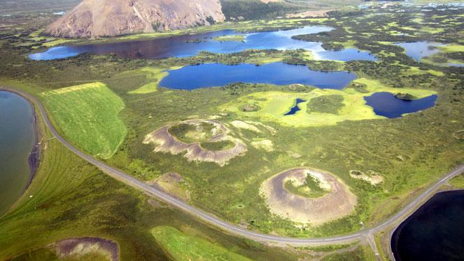 Mývatn-See mit Pseudokratern