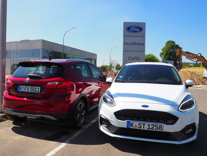 Ford Fiesta Active (rouge) et Fiesta ST