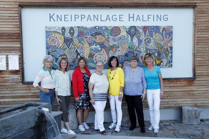 v.l.n.r.: Katharina Schuhbeck, Monika Pfeiffer-Ganserer, Marianne Huber, Doris Hoffmann, Herta Freinecker, Christa Dytkiewitz, Barbara Huber (seit Juli 2021)