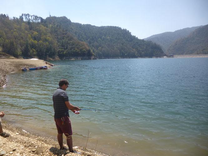 Pêche au Népal - Pêche en Himalaya - Pêche en Asie