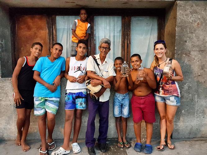 Mit unseren neuen Freunden unterwegs in Santiago de Cuba-came.saw.travelled