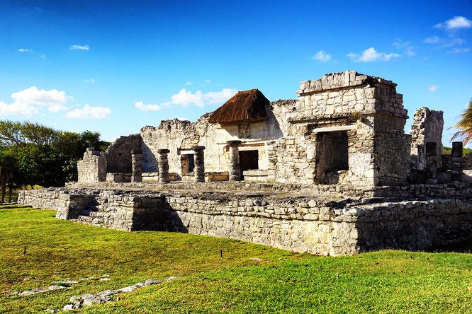 Tempel-des-herabsteigenden-Gottes-camesawtravelled-Reiseblog-deutsch-Tulum-Mexiko