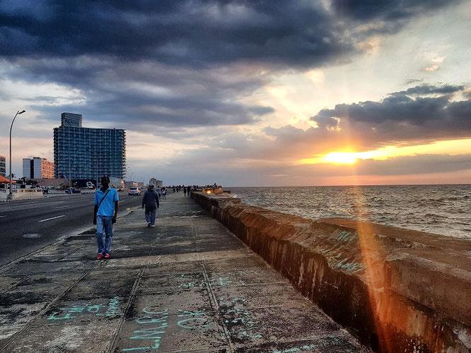"Die Uferpromenade ""Malecon"" in Havanna"