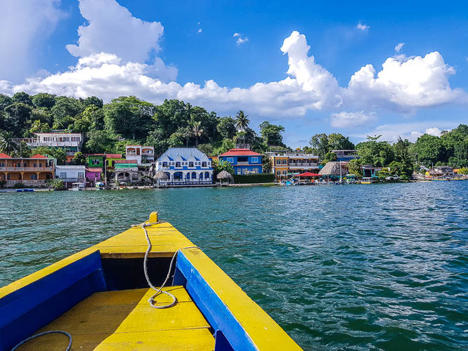 Ein Kayak bei Oliver im La Casa del Lacandon ausborgen und schon geht es nach San Miguel rüber