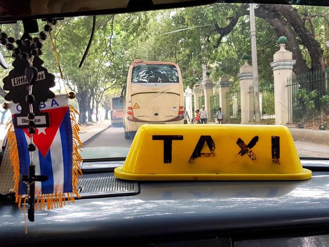 Mit dem Taxi unterwegs in Havanna