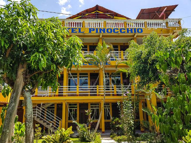 hotel-pinocchio-guatemala-sanpedrolalaguna-atitlan-lake-camesawtravelled-reiseblog