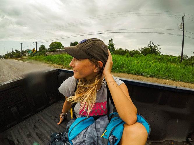 hitchhiking-anhalter-belize-fakten-reiseblog-camesawtravelled