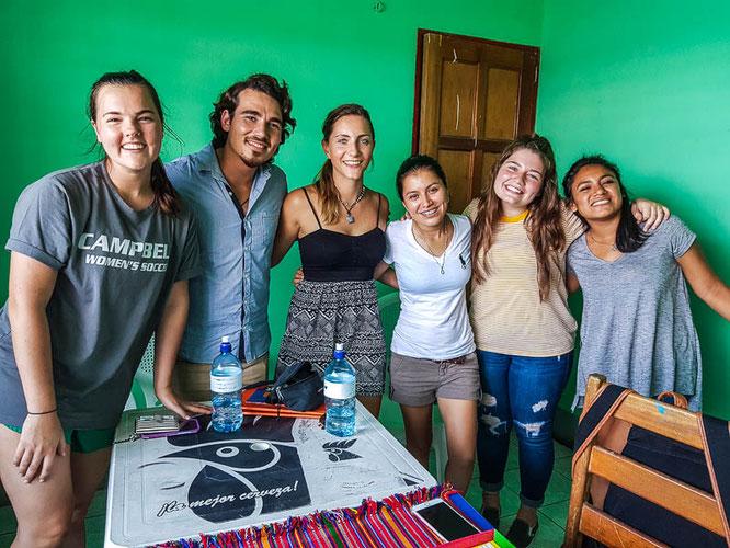 Unsere Klasse in der DOS MUNDOS Sprachschule in Flores