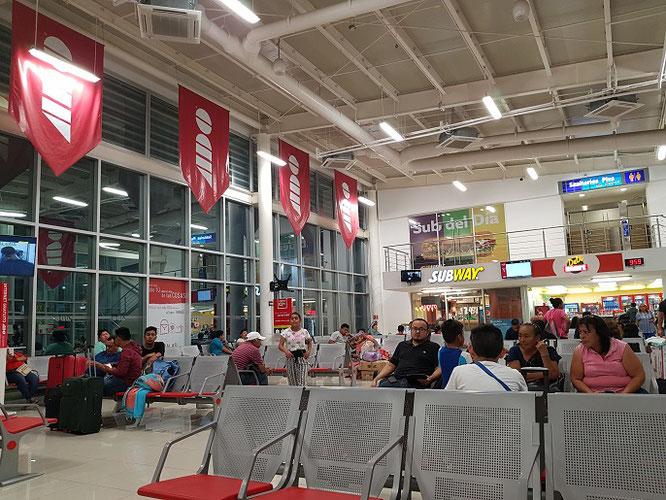 Eine typische ADO-Busstation-rundreise-mexiko