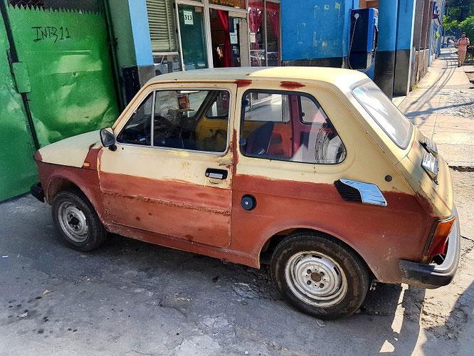 Ein alter Lada in Havanna