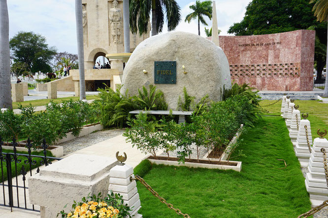 Fidel castro santiago de cuba mausoleum grabstein
