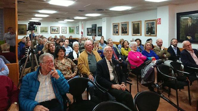 Asistentes a la presentación del libro de Luisa Navia-Osorio en el Centro Asturiano de Madrid
