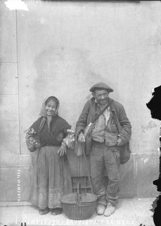 Modesto Montoto: «Bautista y la Nana», vidrio, 130 × 180 mm, Piloña (Asturias), c. 1915. © Muséu del Pueblu d'Asturies. Ayto. de Gijón
