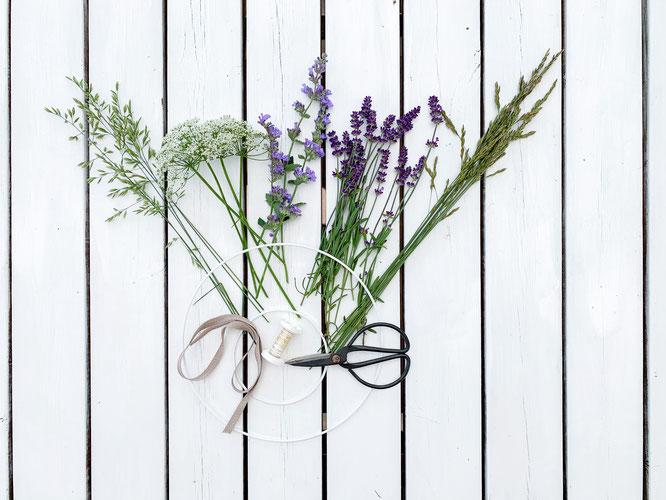 Materialien für Wildblumen-Kranz