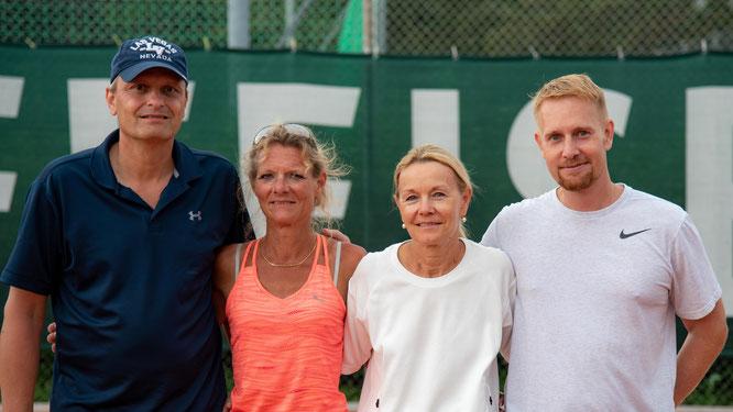 Mixed Doppel: Clubmeister Andrea / Bero mit den Zweitplatzierten Marlies / Thomas