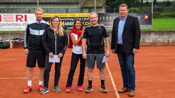 Mixed Doppel: Clubmeister Nadine & Thomas mit den Zweitplatzierten Beni und Accola