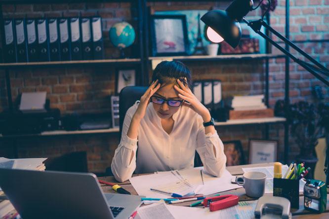 Stress, Psychische Belastung, Stress am Arbeitsplatz, Belastung, Überstundne, Gesundheit, Mitarbeiter, Mitarbeiterförderung, Seminar, Führungskraft,