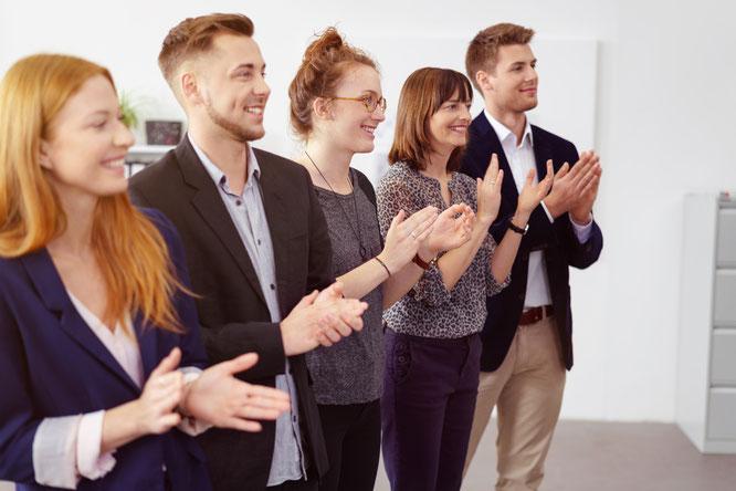 Coaching, Gesundheit, Führung, Auftanken für Führungskräfte, Coaching-Kompetenz, Frauen in Führung, Führungsposition, Organisationsentwickler, Offenes Führungskräfte Programm, Der leise Mitarbeiter, Hochsensibilität, Neurokompetenz, Team in der Reihe,