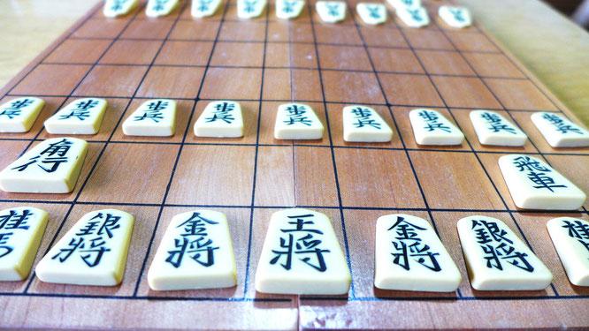 息子の小さい頃、おじいちゃんによく遊んでもらった将棋