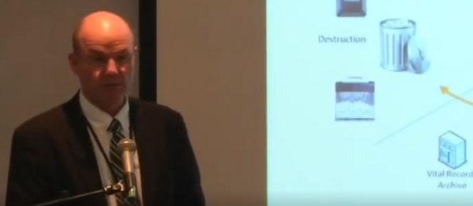 То самое часовое видео, на которой Шон Бартлетт обучает старейшин уничтожать конфиденциальную документацию
