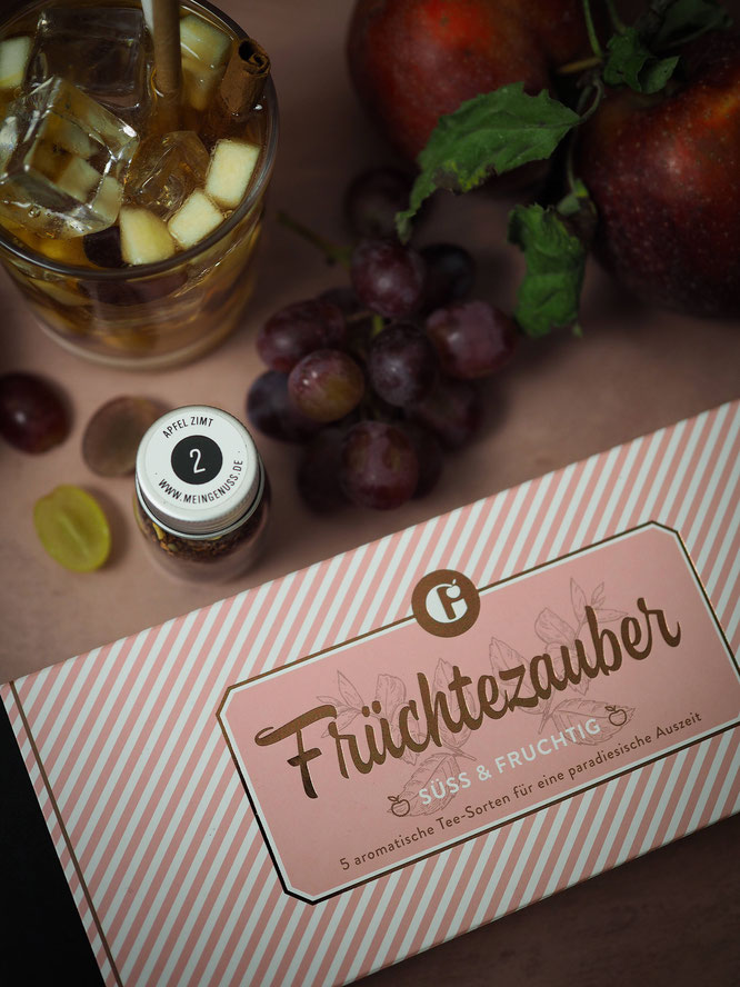 """Apfel-Zimt-Cocktail mit Tee-Set """"Früchtezauber"""" von MEIN GENUSS"""