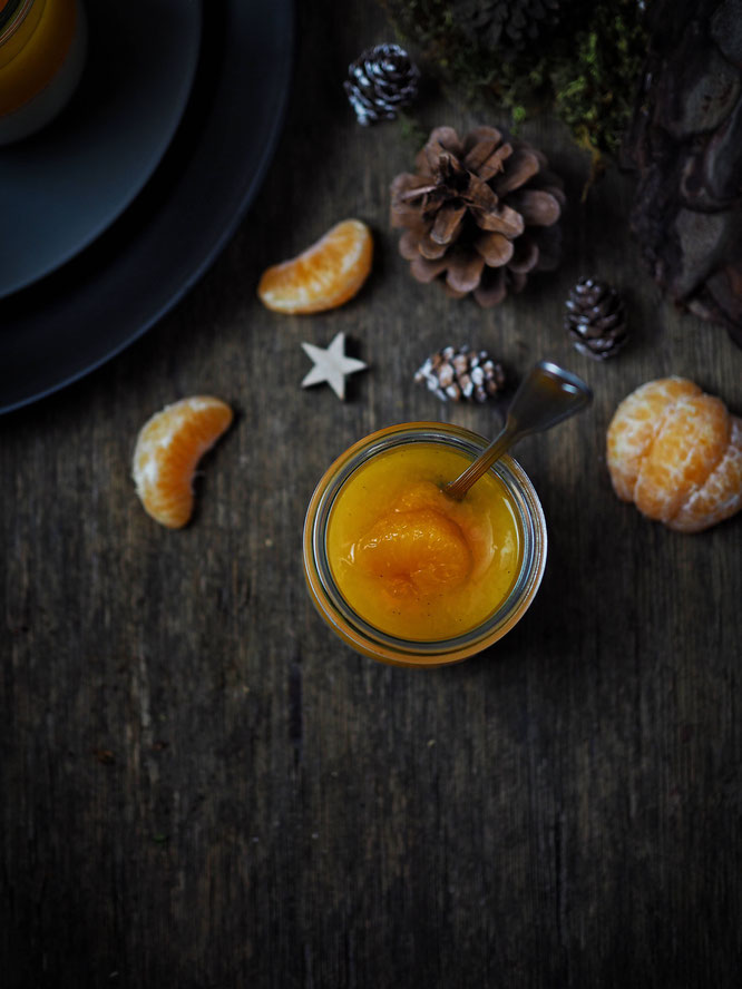 Spekulatius-Panna-Cotta mit Mandarinencreme
