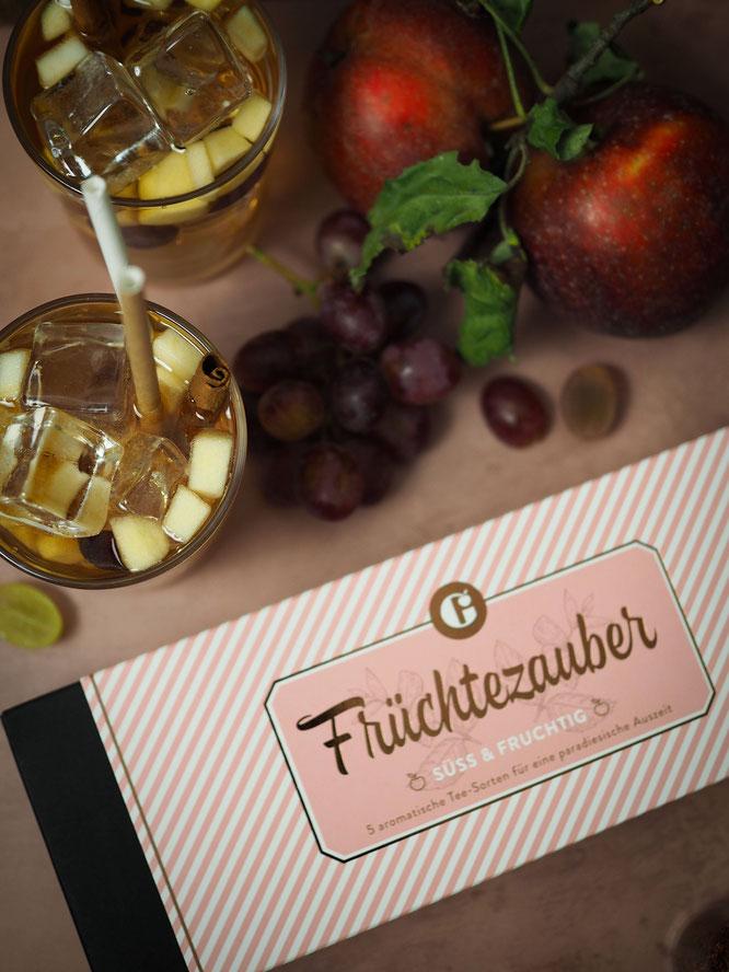 """Apfel-Zimt Cocktail mit Amaretto mit dem Tee-Set """"Früchtezauber"""" von MEIN GENUSS"""