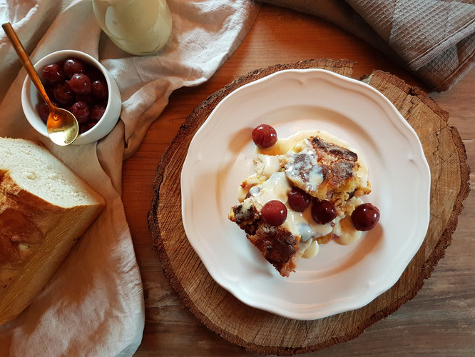 Kirschmichel mit Vanillesoße