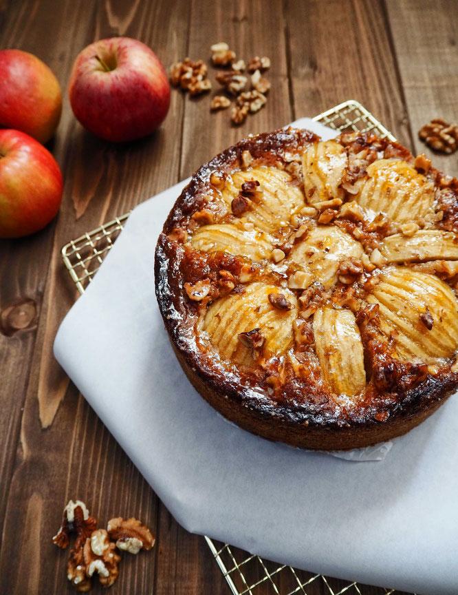 Klasssischer Apfelkuchen mit Nusschrunch