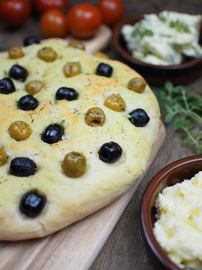 Focaccia Brot mit Oliven