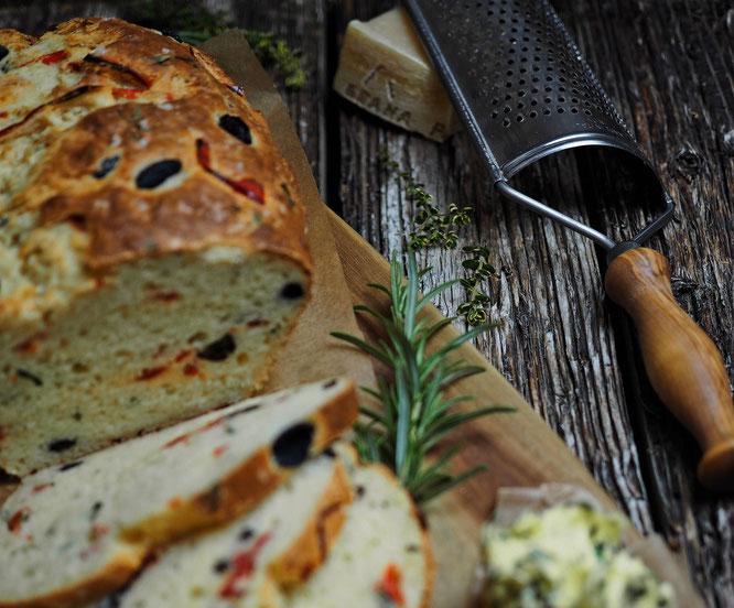 Oliven-Parmesan-Brot