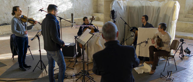 Session d'enregistrement à l'abbaye de Noirlac (XIIème s.) © Jacky Lecouturier
