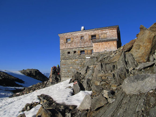 Rifugio Similaun 3019 m sul Giogo Basso