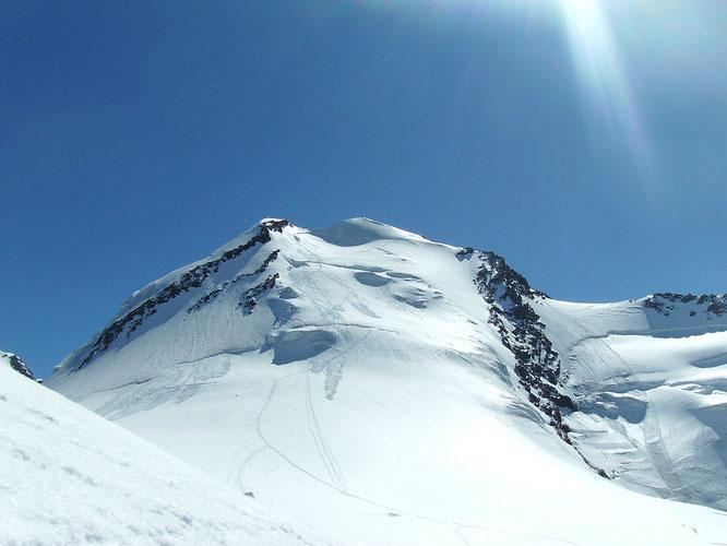 Il versante Ovest del Castore (m 4221)